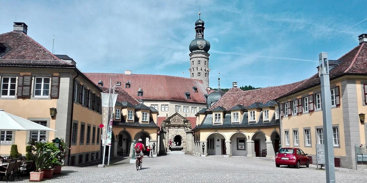 "Taubertal Radwege: Schloss Weikersheim am Taubertalradweg ""Der Klassiker"". Foto: Beate Ziehres, Reiselust-Mag"