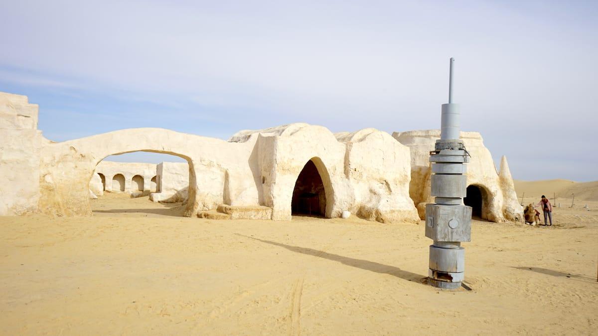 Tunesien, am Rande der Sahara: der Star Wars Filmset Mos Espa.