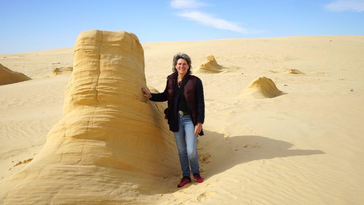 Ganz wirklich: Versteinerte Dünen nahe des Star Wars Drehortes Mos Espa im Westen Tunesiens.