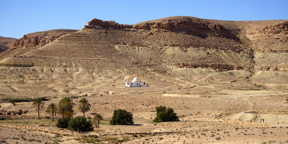 Tunesien Urlaub: Typische Landschaft im Dahar-Gebirge im Süden Tunesiens. Foto: Beate Ziehres