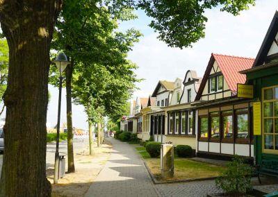 Dicht an dicht stehen die charakteristischen Häuschen im ältesten Teil von Warnemünde – Foto: Beate Ziehres
