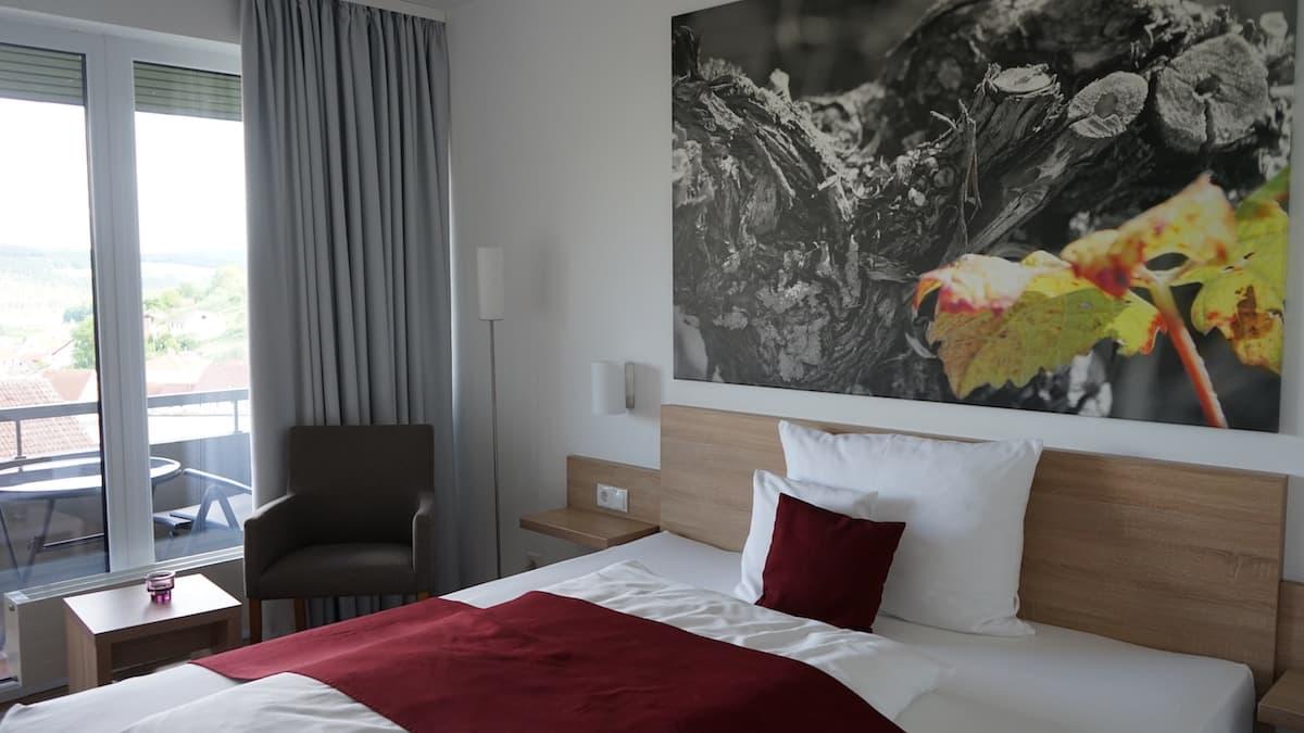 Beckstein, Weinhotel Benz, Zimmer. Foto: Beate Ziehres