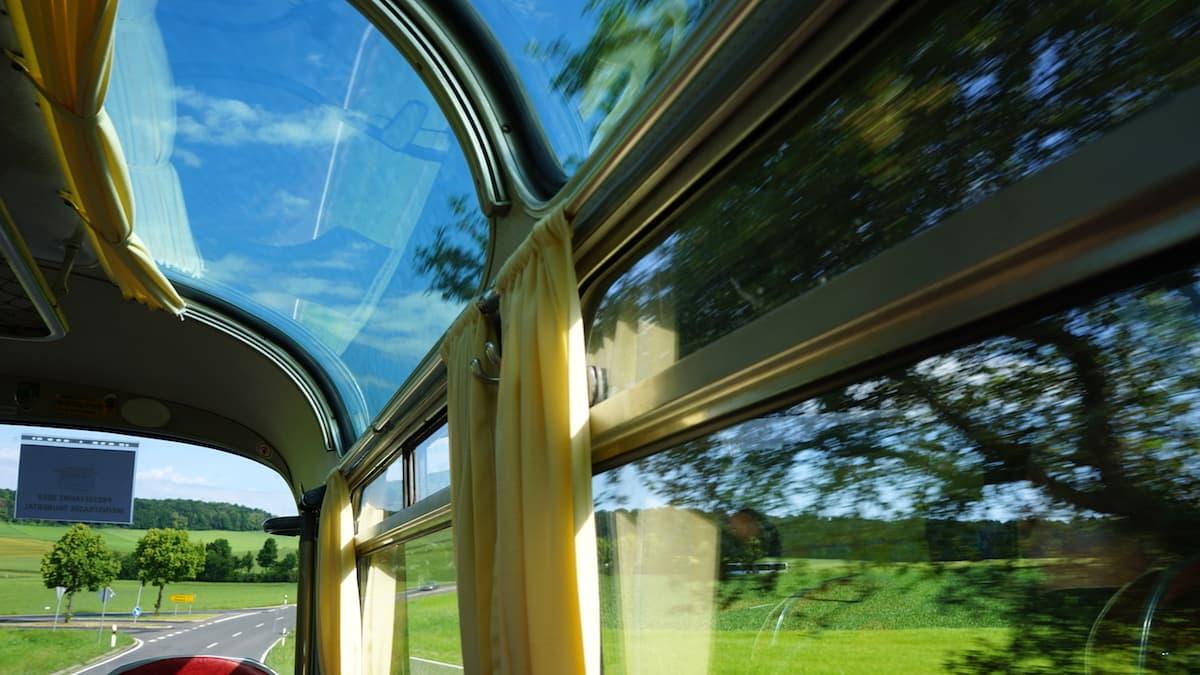 Bus mit Aussicht. Foto: Beate Ziehres