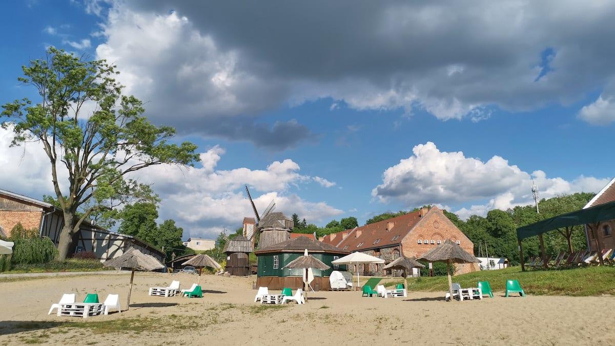 Strand des Ferienzentrums Olandia, Wielkopolska. Foto: Beate Ziehres, Reiselust-Mag