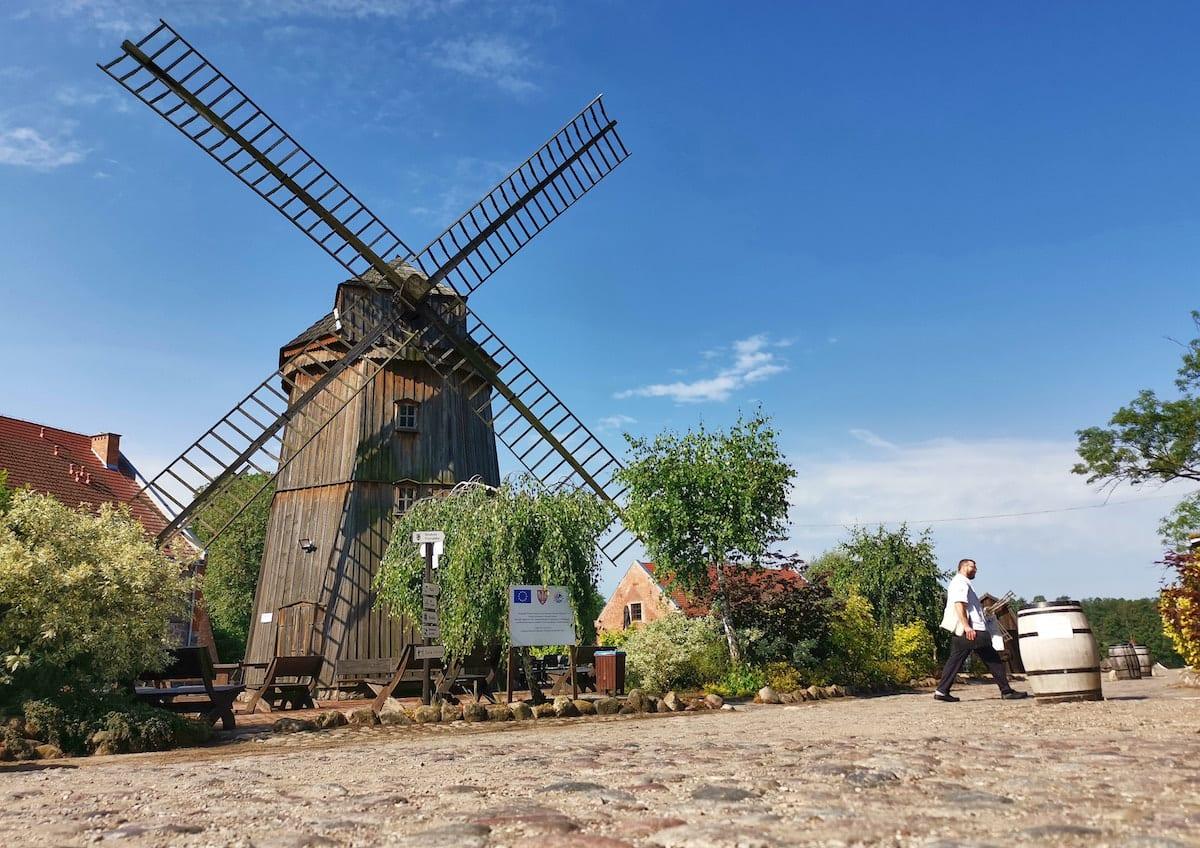 Windmühle im Ferienzentrum Olandia. Foto: Beate Ziehres, Reiselust-Mag