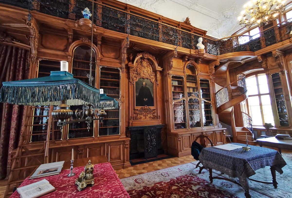 Bibliothek im Schloss Rogalin. Foto: Beate Ziehres, Reiselust-Mag
