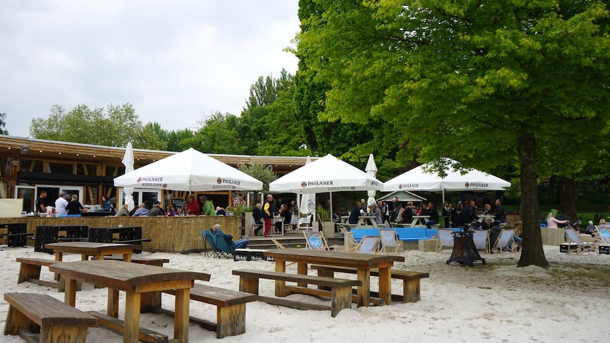 Wolfenbüttel: KOMM Beach Club am Stadtgraben.