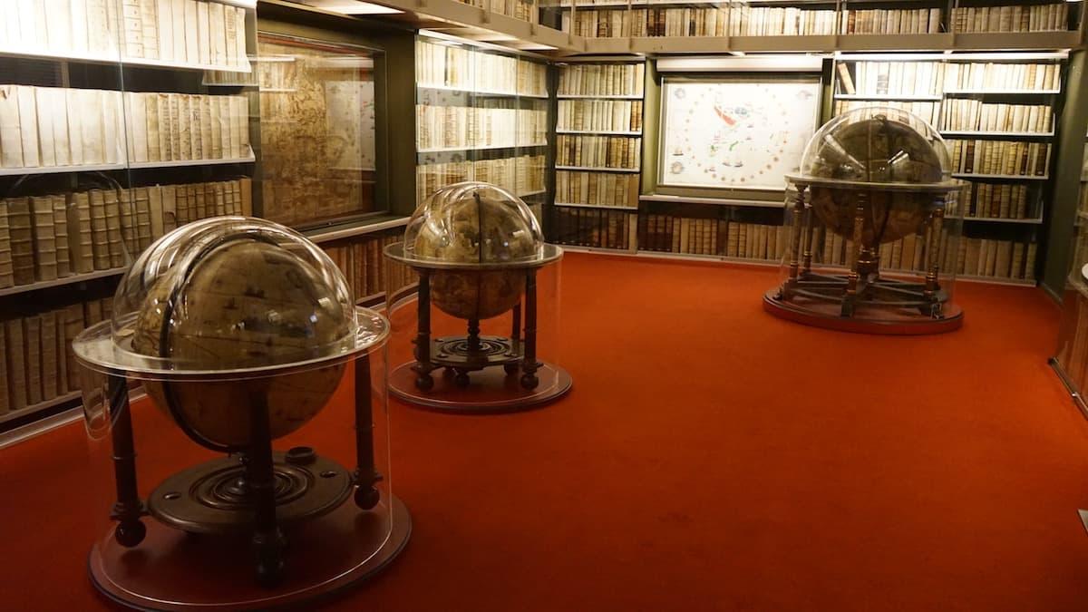 Wolfenbüttel: Blick in den Globensaal der Herzog August Bibliothek.