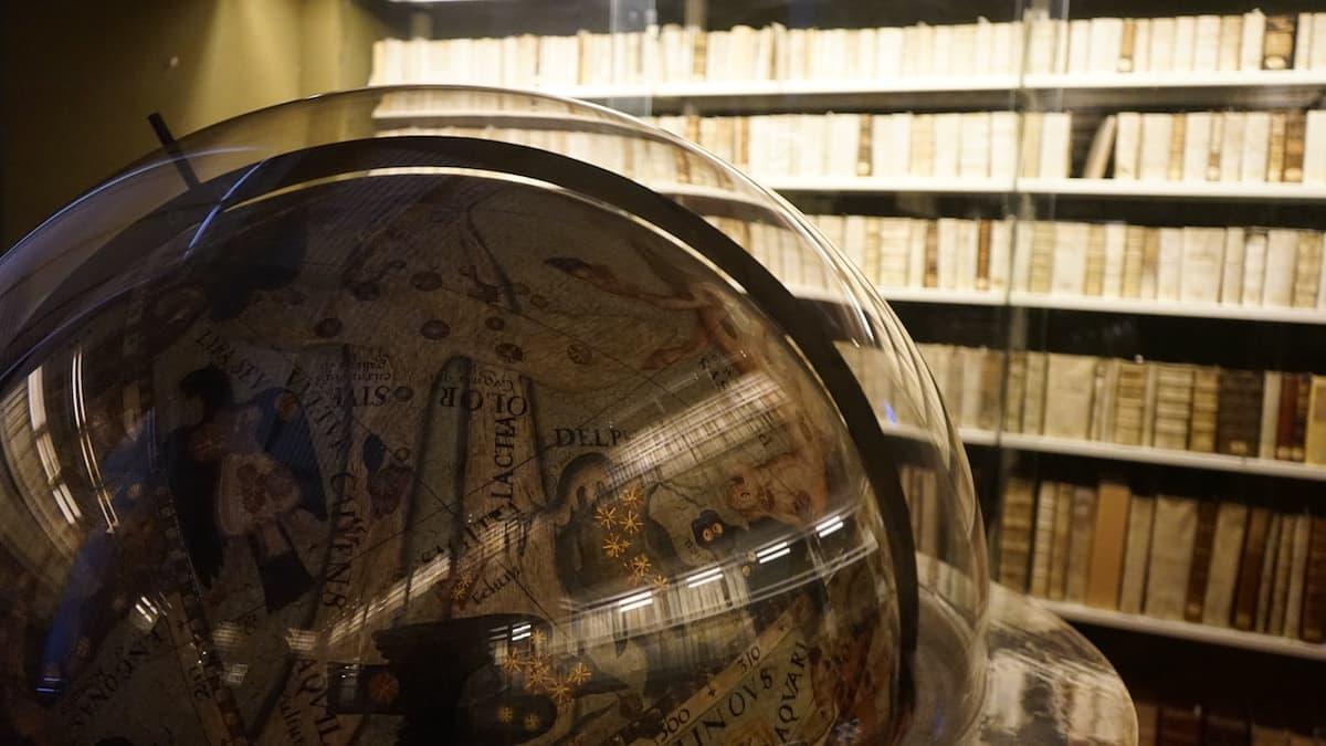 Einer der beiden Helmstedter Globen in der Herzog August Bibliothek, Wolfenbüttel.